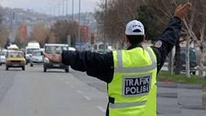 Ankara'da Arac Trafigine Kapatılacak Yollar