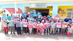Antalya Polisi Öğrenci ve Öğretmenlere Yönelik Verdiği Seminerlerle Suç Konularında Bilgilendirmeler Yaptı