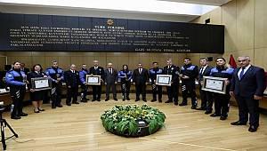 """Emniyet Genel Müdürümüz Sayın Celal Uzunkaya """"2018 Yılının En İyi Toplum Destekli Polislik İl Uygulamaları"""" Ödüllerini Verdi"""