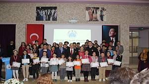 Örnek-Öğrenciler-Ödüllerini-Aldılar