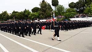 Emniyet Genel Müdürümüz Sayın Celal Uzunkaya İzmir Rüştü Ünsal Polis Meslek Yüksekokulu'nda (PMYO) Düzenlenen 17'nci Dönem Mezuniyet Törenine Katıldı