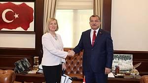 Emniyet Genel Müdürümüz Sayın Celal Uzunkaya, SELEC Genel Müdürü Sayın Snejana Maleeva ve Beraberindeki Heyet İle Bir Araya Geldi