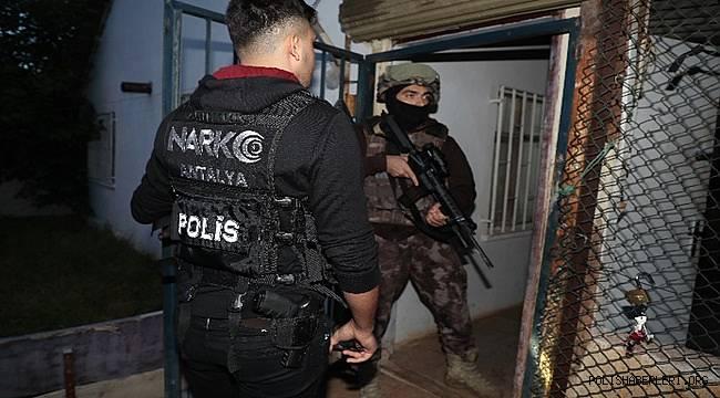 Zeytinköy Bölgesinde Uyuşturucu Madde Ticaretine Yönelik Eş Zamanlı Operasyon Düzenlendi
