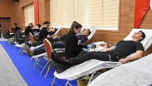 Antalya Polisi Türk Kızılayı Tarafından Başlatılan Kan Bağışı Kampanyasına Destek Verdi