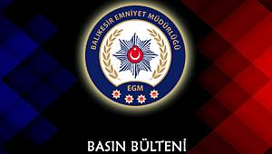 BALIKESİR'DE POLİS 33 ARANAN ŞAHSI YAKALADI.