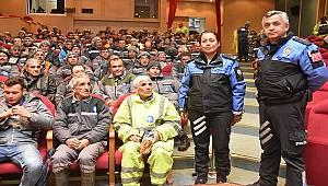 Büyükşehir Belediyesi Temizlik İşçilerine Yönelik Güvenlik Semineri Verildi