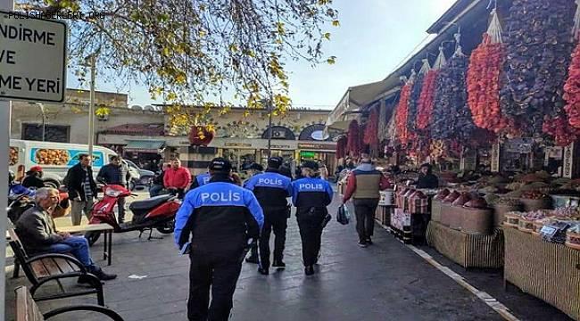GAZİANTEP POLİSİ UYUŞTURUCU İLE MÜCADELE KAPSAMINDA VATANDAŞI BİLGİLENDİRDİ