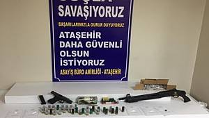 """İstanbul'da """"Uyuşturucu veya Uyarıcı Madde İmal ve Ticareti"""""""