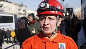 Jandarma Astsubay Çavuş Zehra Yıldız'ın Depremde Verdiği Mücadele