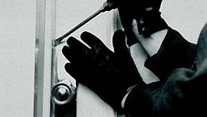 Manavgat İlçesinde Evden Hırsızlık Suçundan 2 Şüpheli Tutuklandı