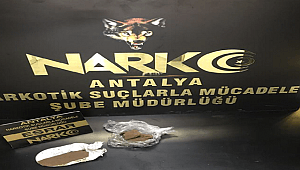 Antalya Havalimanında 1 Şahsın Üzerinde Uyuşturucu Madde Yakalandı