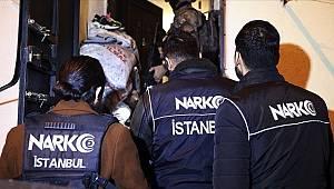 """İstanbul Emniyet Müdürlüğü elipleri Kadıköy'de """"Uyuşturucu Madde İmalat ve Ticareti"""" yapanlara yönelit operasyon gerçekleştirdi"""
