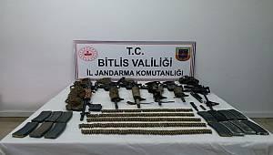 Bitlis Sehi Ormanlarında, İl Jandarma Komutanlığınca gerçekleştirilen hava destekli operasyonda 6 terörist etkisiz hale getirilmiştir