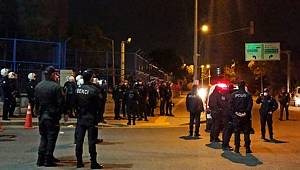 Başkent'te İntihar eden gencin yakınları, sağlık çalışanlarını ve polisi taş yağmuruna tuttu, 20 gözaltı