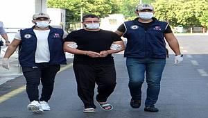 Interpol'ün aradığı DEAŞ'lıya Adana'da ev ayarlayan şüpheli gözaltına alındı.