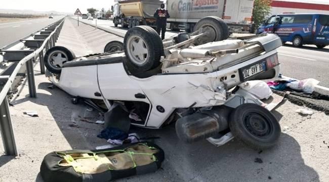Sollamak istediği tıra arkadan çarpan otomobil takla attı, 4 kişi yaralı