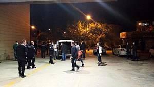 Bursa da Polis'kılığında Suriyeli aileleri soyan çete yakalandı
