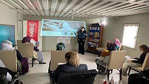Mersin Narkotik ekipleri ''En İyi Narkotik Polisi Anne'' Projesi tanıtarak, Broşür dağıttı