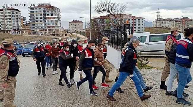 Hatay ve Antalya'da uyuşturucu operasyonunda 13 şüpheli gözaltına alındı