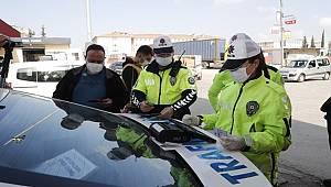 """Bakanlıkça 22 bin 881 Personelin Katılımıyla Ülke Genelinde Eş Zamanlı """"Trafik, Motosiklet ve Traktör Uygulaması"""" Gerçekleştirildi"""