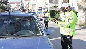 Sinop'ta polis kısıtlamada gezmeye çıkanlara fırsat vermedi