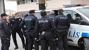 Gaziantep'te Eşi ve 3 Çocuğunu Rehin alan Şüpheliyi Özel Harekat Polisleri ikna etti