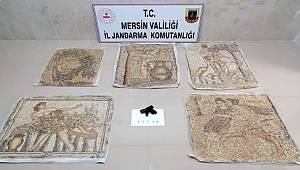 Mersin'de Jandarma tarihi eser niteliğinde 5 mozaik tablo ele geçirdi