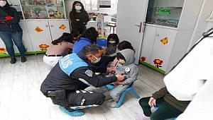 Mersin Polisi tarafından Cumhuriyet Anaokulunda Bilgilendirme yapıldı