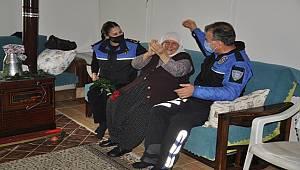 Mersin Toplum Polisleri Yaşlıları Unutmadı