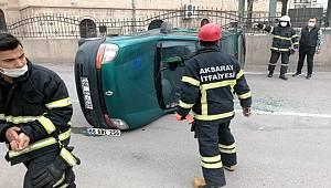 Aksaray'da Hafif ticari araç ile otomobil çarpıştı 2 kişi yaralandı