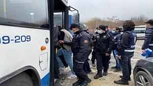 Ankara merkezli 8 ilde uyuşturucu satıcılarına 'Vadi' operasyonu 81 gözaltı