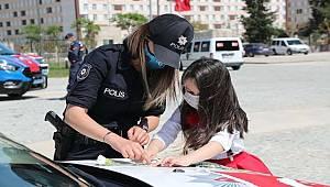 Antalya Emniyet Müdürlüğü ekipleri 23 Nisan Çocuk Bayramını Çoşkuyla Kutladı