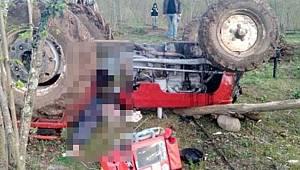 Devrilen traktörün altında kalan yaşlı adam, feci şekilde hayatını kaybetti