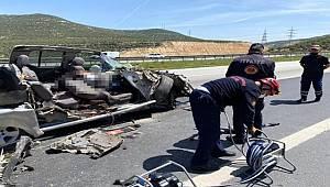 Kahramanmaraş'ta hurdaya dönen araçta 1 kişi yaşamını yitirdi 2 kişi yaralandı