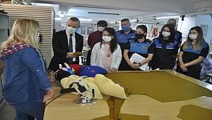 Mersin polisi ''Bir Damla İyilik Projesi'' kapsamında Şiddet mağduru kadınlara el verdi