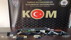 Tarsus'ta silah kaçakçılarına düzenlenen baskında 14 şüpheli gözaltına alındı