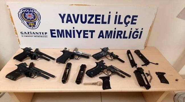 Yavuzeli ilçesinde Tabanca imalatına düzenlenen baskında 8 şüpheli gözaltına alındı