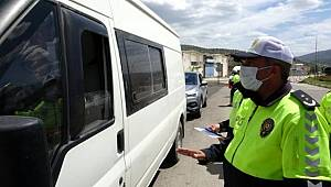 Akdeniz'in en çok vaka görülen İli Isparta'ya girişte araçlar tek tek durduruluyor