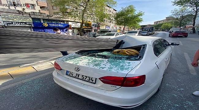 İstanbul'da meydana gelen kazada Demir çubuklar otomobilin camına saplandı