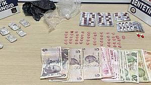 Mersin'de taksideki 4 şüphelinin üzerinden uyuşturucu çıktı