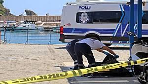 Akıntıya kapılıp gözlerden kaybolan kadının cansız bedeni denizin 4 mil açığında bulundu