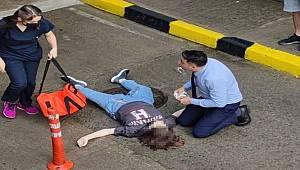 Gebze'de AVM'nin terasına çıkan genç kız aşağı atladı