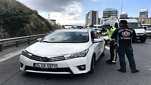 İstanbul'da çakarlı araç denetimi gerçekleştirdi 1 milyon 203 bin TL ceza kesildi