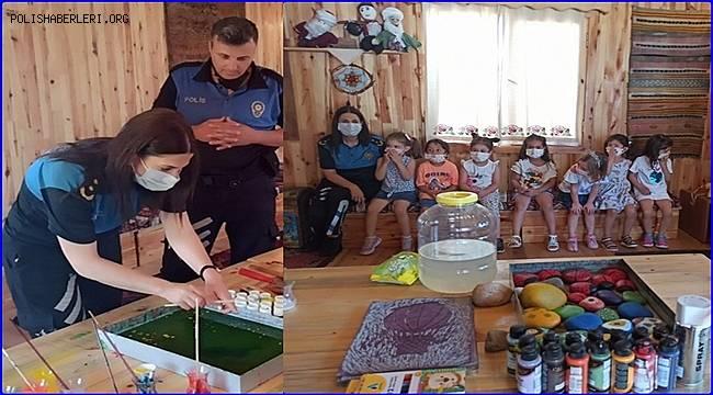 Mersin Polisi Anadolu Masalları porjesi hakkında çocuklarla biraraya geldi
