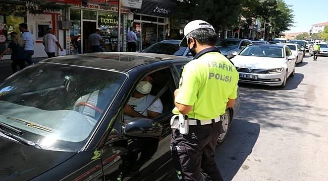 Aksaray'da yoğun trafiğe polisten sıkı denetim