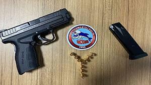 Birçok suçtan kaydı bulunan şahıs ruhsatsız tabancayla yakalandı