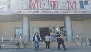 Mersin'de madde bağımlısı olduğu iddia edilen kadın, polisin yardımıyla tedaviye başladı