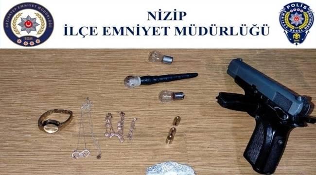 Nizip'te uyuşturucu ve silah ele geçirildi