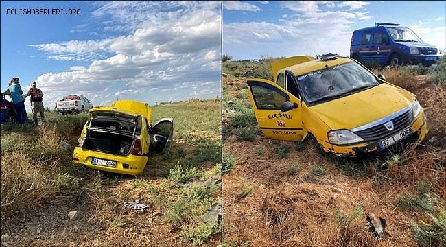 Şanlıurfa'da ticari aracın devrilmesi sonucu 2 kişi yaralandı