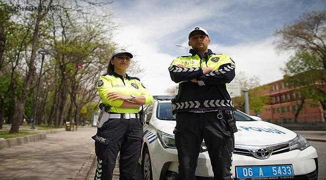 Trafik polislerimiz 7 gün 24 saat yollarda…